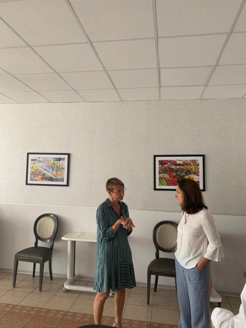 Anne Laurence Petel en visite à la maison de retraite Sainte Victoire