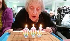 anniversaire à la maison de retraite sainte victoire à aix en Provence